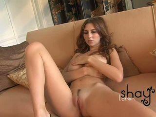 Natural boobed shay laren spreads dela rosa cona em o sofás