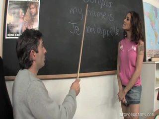 Merry brunetė studentas bangs mokytojas