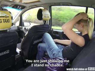 Fahişe taxi - bira tugjob gets binmek arasında onu hayat