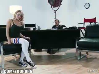 Lankstus šviesiaplaukis dancer mia malkova shows nuo jos assets už a vaidmuo