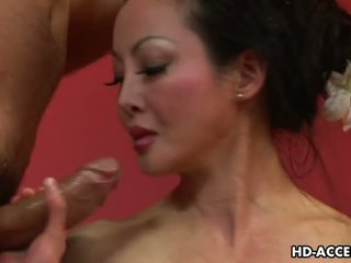 Diwasa asia angie venus sucks and fucks good video