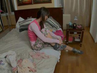 Provoking tonårs gets på henne knees