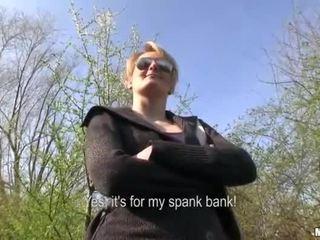 チェコ語 女の子 meggie セックス で 公共 のために 現金