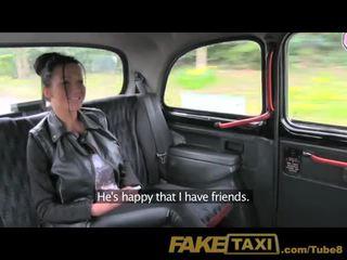 Faketaxi es sperma uz viņai pakaļa uz the atpakaļ no mans taxi