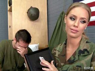 ทหาร ผู้หญิงสวย nicole aniston ระยำ ใน camp วีดีโอ