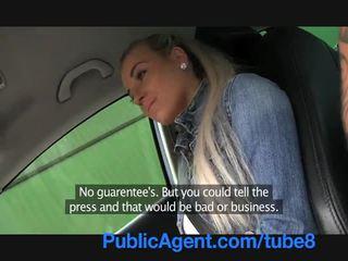 Publicagent fierbinte blonda adolescenta futand în mea masina