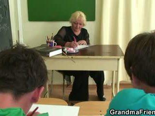 Two studs cazzo vecchio scuola insegnante