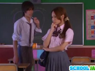Asiática escolar yukina momota