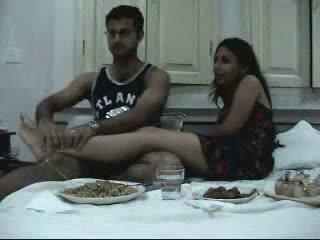 Индийски newly женени двойка enjoying техен honeymoon част 2