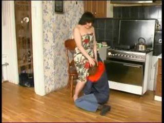 Rusiškas mama ir a jaunas plumber