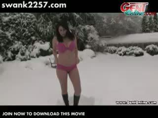 Watch Arizona Warm Up Her Pussy!
