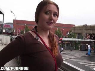 Mofos - אדום שערה, גדול פטמות