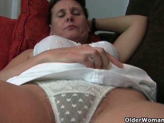 Granny koos karvane tussu ja armpits needs relief