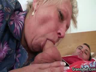 Lusty mummi pillua perseestä