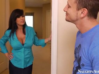 Bigtitted Aged Lisa Ann Has Got Laid