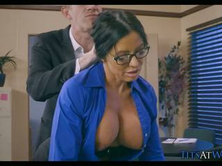 Puma cheats par viņai vīrs pie darbs, hd porno 5b