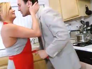 Ginger lynn - hardcore gospodinja rides tič v kuhinja