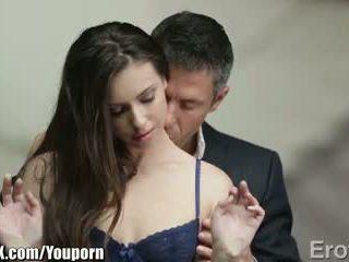 Eroticax en polis kiss leads için seks