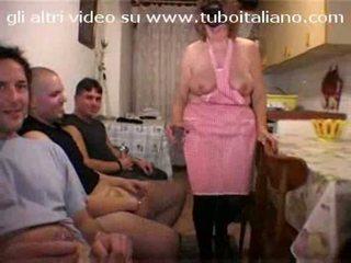 Italian Housewife La Casalingua