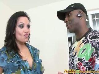 Hot mom brunette try a big black cock