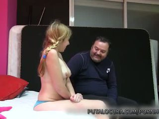 Puta locura naive לטינית נוער creampied על ידי ישן אדם