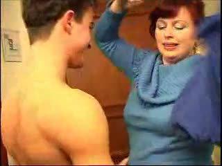 dracului, sânii mari, roșcate, mamele și boys