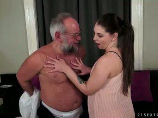 Angelina brill fucks an älter gentleman
