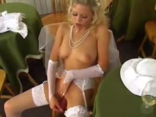Frustrated Bride: Free Wife Porn Video f8
