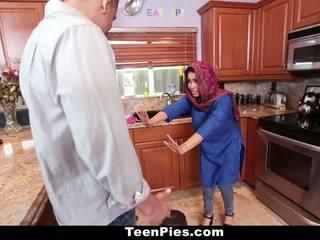 Teenpies - muslim meisje praises ah-laong piemel