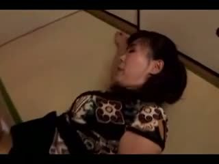 Subtitled japanese post ww2 drama with ayumi shinoda in hd - 1 1