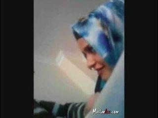 Hijab τούρκικο turban τσιμπουκώνοντας καβλί