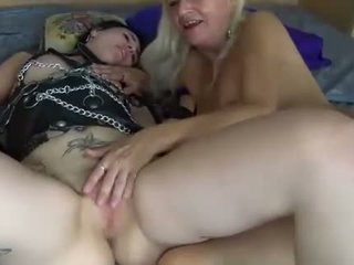 Lesbians young and ýaşy ýeten women