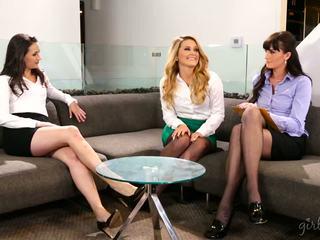 ideal lesbians, babes hq, threesomes sa turing