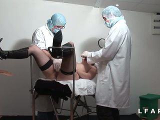 Milf francaise defoncee et fistee chez le gyneco