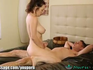 Nurumassage cougar belle mère gets sons bite