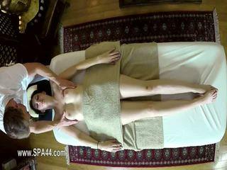 Nasty masseur deepfucking his customers