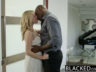 Blacked горещ блондинки момиче cadenca lux pays край boyfriends debt от чукане bbc