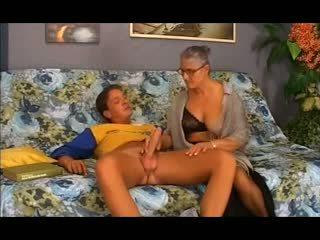 古い おばあちゃん takes それ で ザ· 尻, フリー アナル ポルノの 12