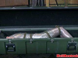 Mummified सबमिसिव learns discipline