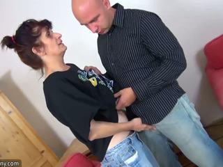 Oldnanny zralý babičky enjoying čerstvý meat: volný vysoká rozlišením porno 84