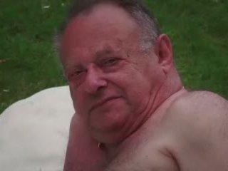 נוער פילגיש masturbates תוך מזיין ישן בוגד guy takes קטעי גמירות וידאו