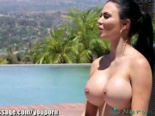 nuru, भारी स्तन, ब्रिटिश