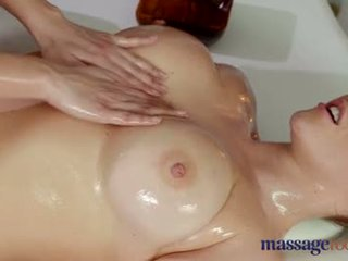Massage Rooms Victoria Summers loves pussy