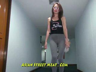 Buggered filipina w górę jej rectum