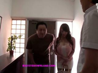 アジアの とともに 大きい ティッツ wearing a purple ビキニ: フリー ポルノの d3