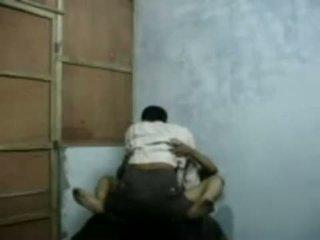 Bangla raand blackmailing henne klient til sex