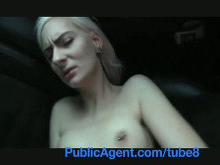 Publicagent blond stunner shows seksikas mustanahaline aluspesu ja gets pounded