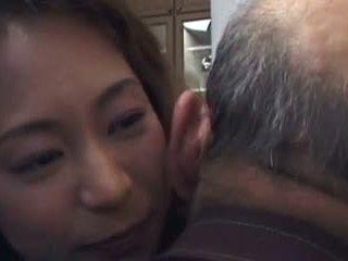 Daughter-in-law van fasz a nem neki father- és nem övé fiú