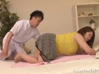 Apkūnu azijietiškas babe's didelis papai natsuko kayama