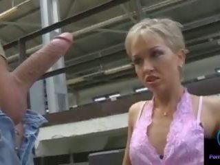 Monique দোলানো thomas পাথর বিশাল shaft outdoors: পর্ণ 33